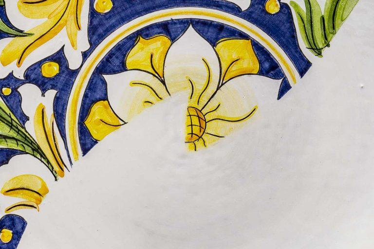segnalEtica_Riciclo_dettaglio01 _piatto ceramica maiolica decoro caltagirone pantou ceramics