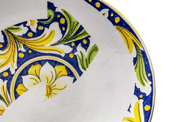 segnalEtica_Riciclo_dettaglio02 _piatto ceramica maiolica decoro caltagirone pantou ceramics
