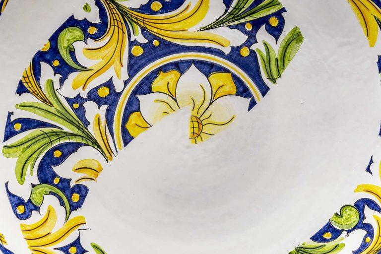 segnalEtica_Riciclo_dettaglio03 _piatto ceramica maiolica decoro caltagirone pantou ceramics