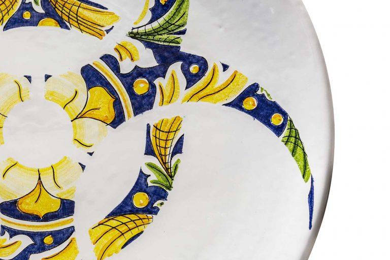 segnalEtica_Rischio biologico_dettaglio02 _piatto ceramica maiolica decoro caltagirone pantou ceramics