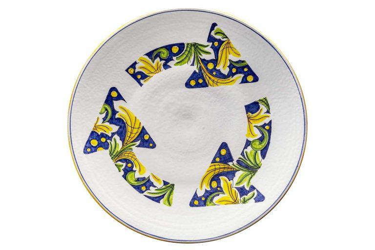 segnalEtica_Rotatoria _piatto ceramica maiolica decoro caltagirone pantoù ceramics