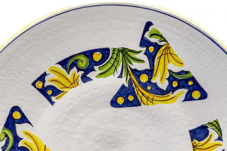 segnalEtica_Rotatoria_dettaglio02 _piatto ceramica maiolica decoro caltagirone pantoù ceramics