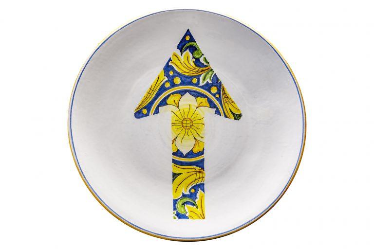 segnalEtica_arrow ceramic plate_ majolica_ caltagirone pantoù ceramics