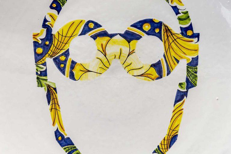 segnalEtica_safety glasses _piatto 03 ceramic plate_ majolica_ caltagirone pantoù ceramics